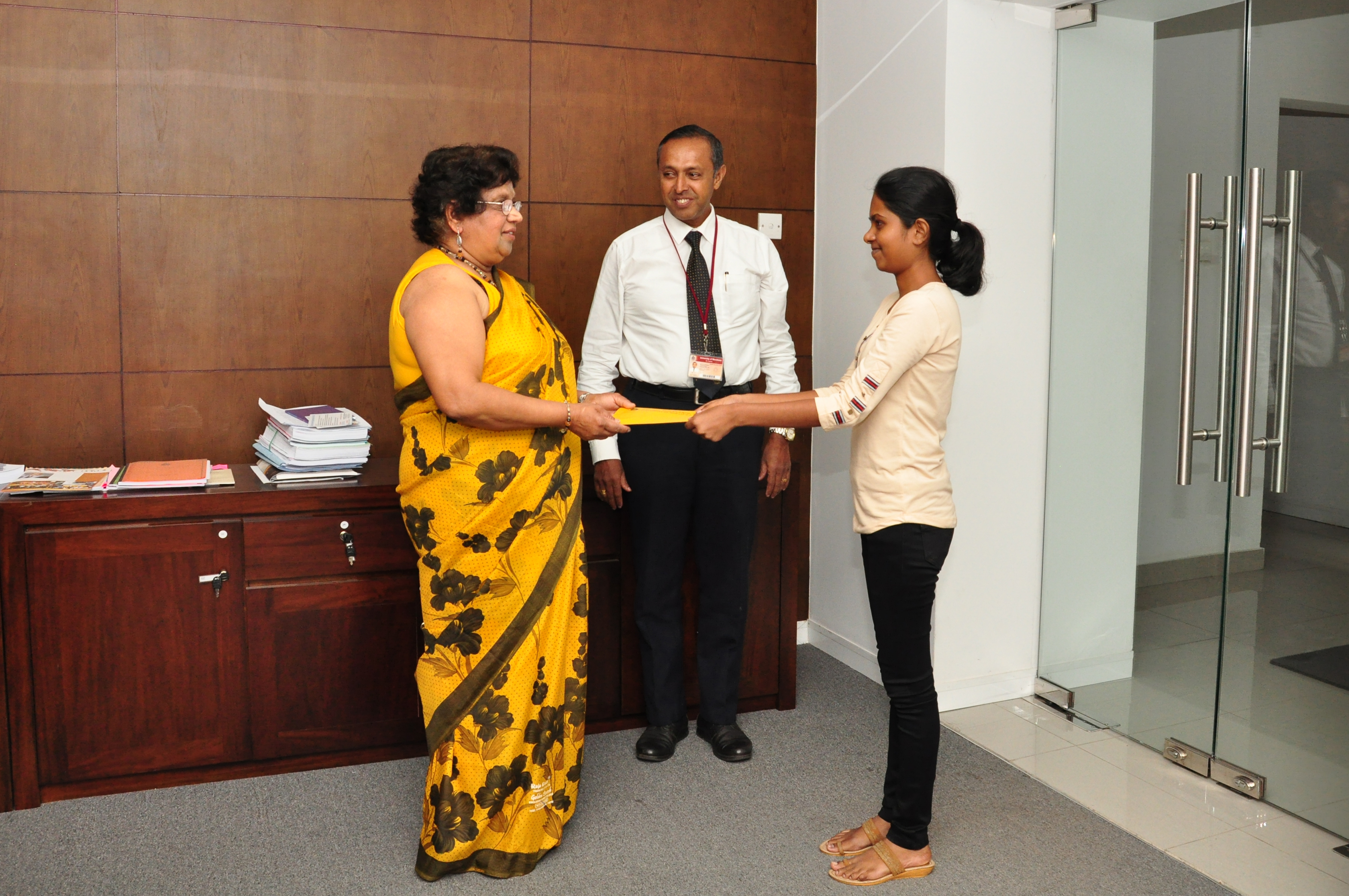 AWARD OF SCHOLARSHIPS BY UNIVERSITY OF MORATUWA ALUMNI IN WESTERN AUSTRALIA (MORAWA)